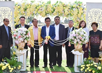 On 13 Dec 2018 , Asst. Prof. Dr. Komsan Sommanawat, Acting Director of Suan Sunandha Rajabhat University's Nakhon Pathom Education Center, executive management team, lecturers and staff members attended Nakhon Pathom Edducation Center's Entrance Road Op