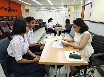 บรรยากาศสัมภาษณ์ผู้สมัครทุนการศึกษา โครงการความร่วมมือ ระหว่างวิทยาลัยโลจิสติกส์และซัพพลายเชน มหาวิทยาลัยราชภัฏสวนสุนันทา กับ บริษัท โฮมโปรดักส์ เซ็นเตอร์ จำกัด (มหาชน) ที่มอบทุนการศึกษา ปีการศึกษา 2562
