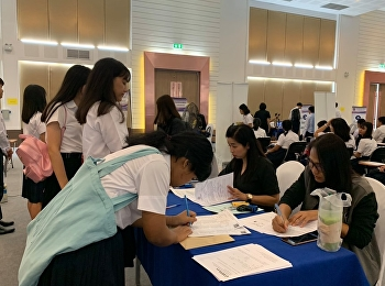 In academic year 2019, undergraduate students from 2nd round -  academic ability (Sunandha scholarship project) and 3rd round - TCAS reported themselves to College of Logistics and Supply Chain at multi-purpose building, Suan Sunandha Rajabhat University