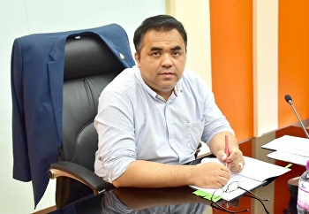 Asst. Prof. Dr. Komson Sommanawat, Dean of College of Logistics and Supply Chain, Suan Sunandha Rajabhat University, presided over the meeting of the College of Logistics and Supply Chain Management Committee No. 8/2019.