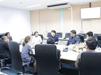 ผู้ช่วยศาสตราจารย์ ดร.คมสัน โสมณวัตร คณบดีวิทยาลัยโลจิสติกส์และซัพพลายเชน พร้อมด้วยผู้บริหารวิทยาลัย ให้การต้อนรับ MR. JUN JAE CHAE ผู้แทนจาก Korea Aerospace Universityสาธารณรัฐเกาหลี เข้าเยี่ยมชมศึกษาดูงานและแลกเปลี่ยนทัศนะด้านการบริหารจัดการด้านการศึกษา