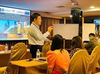 Dr.Chitpong Ayasanond, Head of M.B.A. program in Logistics and Supply Chain, brought the M.B.A. students to attend the 26th International Forum for Business Economics Advancement & Strategic Management (BEASM) at Grand Pacific Hotel, Singapore