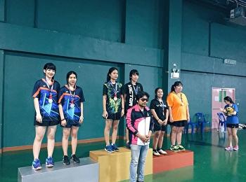 นางสาวสมฤทัย เข็มน้อย และนางสาวพิชญาพร ใจสันเทียะ วิทยาลัยโลจิสติกส์และซัพพลายเชน ได้รับรางวัลเหรียญทอง ในการแข่งขันกีฬาแบตมินตันหญิงคู่ รอบชิงชนะเลิศ ในการแข่งขันกีฬาสุนันทาสามัคคี ครั้งที่ 31