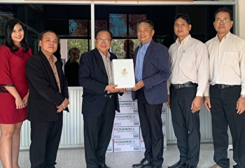 Mr.Suwat Nualkhaw, Vice Dean of Administration of College of Logistics and Supply Chain, met with the Mr.Sanchai Chorbpimai, the newly appointed Director of District 16 Nakhon Pathom Institute for Skill Development in order