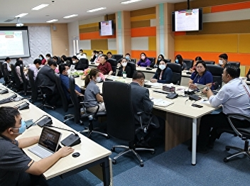 Asst. Prof. Dr. Komson Sommanawat, Dean of College of Logistics and Supply Chain, Suan Sunandha Rajabhat University, presided over the meeting on teaching, learning and internship during Covid 19 crisis.