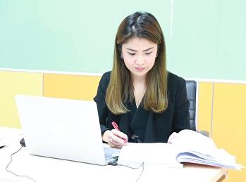 อาจารย์สุวัฒน์ นวลขาว รองคณบดีฝ่ายบริหาร เป็นประธานเปิด โครงการ การนำเสนอผลงานวิชาการ (ภาคบรรยสาย) โดยการออนไลน์ ในการประชุมวิชาการด้านโลจิสติกส์และซัพพลายเชนระดับชาติ ครั้งที่ 3