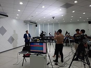 Asst.Prof.Dr.Komson Sommanawat, Dean of College of Logistics and Supply Chain, recorded the welcome speech for the online freshmen student orientation.