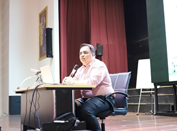Asst.Prof.Dr.Komson Sommanawat, Dean of College of Logistics and Supply Chain, called the college staffs to the general meeting for the 1/2020 semester.