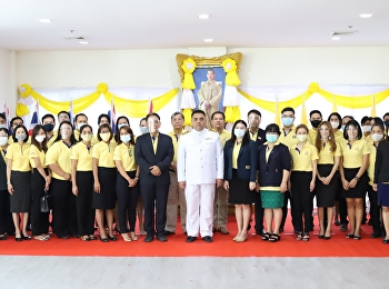 Asst.Prof.Dr.Komson Sommanawat, Dean of College of Logistics and Supply Chain as the Acting Director of Suan Sunandha Rajabhat University Nakorn Pathom Campus, preside the The Royal Salute and Blessing Ceremony of King Rama X