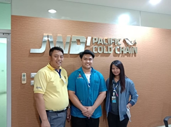 Mr.Jatturong Ploenhad visited interns at Pacific Cold Chain Company.