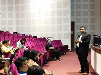Asst.Prof.Dr.Komson Sommanawat, Dean of College of Logistics and Supply Chain and Acting Director of Suan Sunandha Rajabhat University Nakorn Pathom Campus, introduced the latest policy of Self-Personality to both academic staffs and supporting staffs.