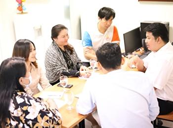 อาจารย์ ดร.ธันย์ ชัยทร รองคณบดีฝ่ายกิจการนักศึกษา วิทยาลัยโลจิสติกส์และซัพพลายเชน มหาวิทยาลัยราชภัฏสวนสุนันทา เป็นประธานในการประชุมชี้แจงแนวปฏิบัติ การสนับสนุนส่งเสริมเพื่อประสานความร่วมมือให้บรรลุเป้าหมายของโครงการในแต่ละสาขาวิชา ภายใต้ระเบียบ
