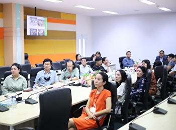 Asst.Prof.Dr.Komson Sommanawat, Dean of College of Logistics and Supply Chain, welcomed the delegates from Communication Arts Department, Faculty of Management Sciences, Suan Sunandha Rajabhat University.