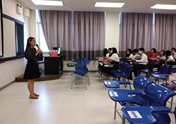 Miss. Ratchaneewan Sujarit, lecturer and student advisor of Logistics Management students batch 63, organized a Home Room activity.