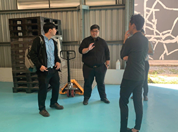 Mr.Phutthiwat Waiyawuththanapoom, Acting Associate Dean of Research and Academic, and Thanawat Wisetsin, Head of Logistics Management Program for Online Business, welcomed representatives from the company Imagination VR Co., Ltd.